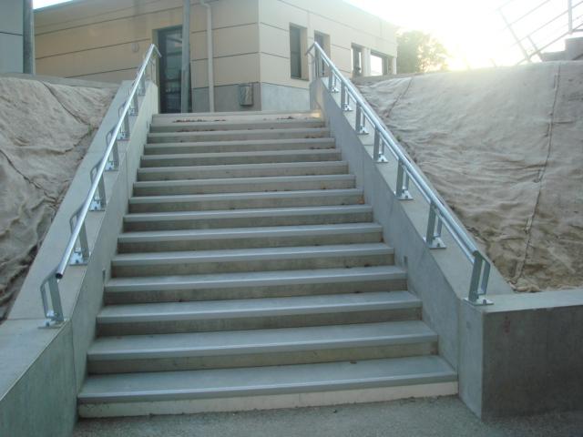 escalier beton exterieur prefabrique great escalier en beton exterieur escalier exterieur with. Black Bedroom Furniture Sets. Home Design Ideas